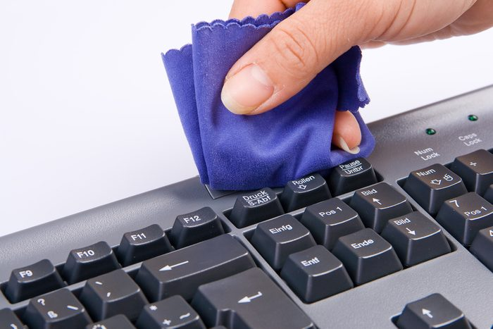 Laver les surfaces de travail