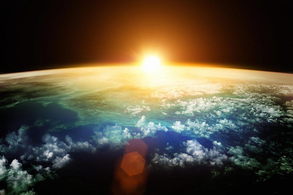 Mythe: selon une croyance populaire médiévale, la Terre était plate, mais il s'agit en fait d'une sphère parfaite