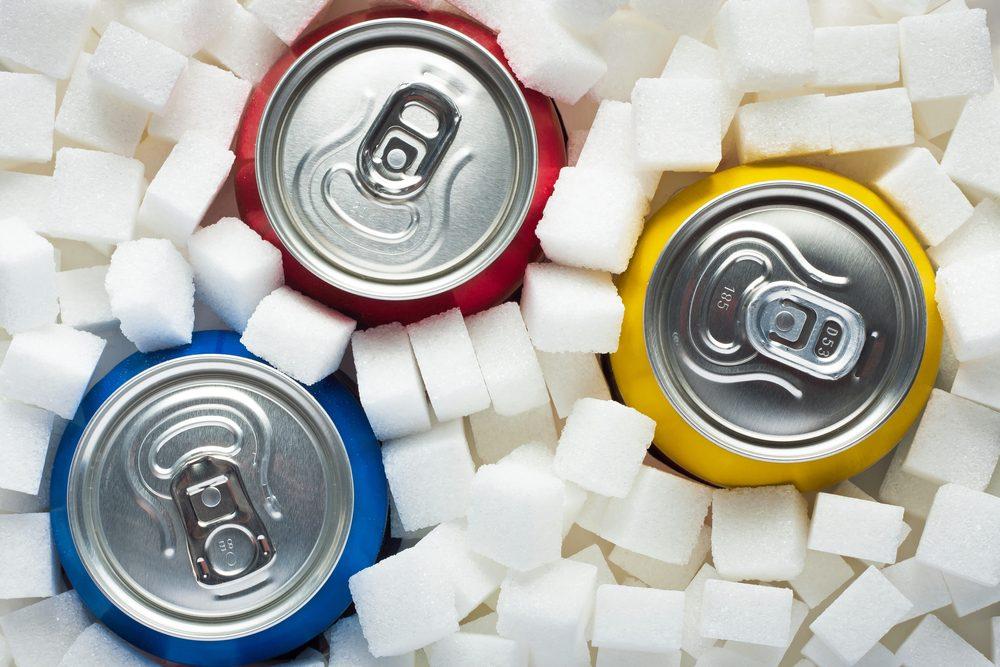 Les boissons énergisantes sont bourrées de sucre et de caféine