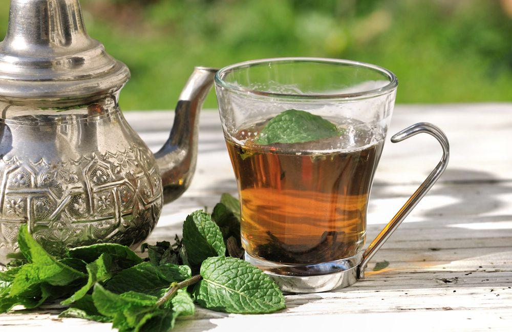 Le thé à la menthe ou au gingembre contre la constipation