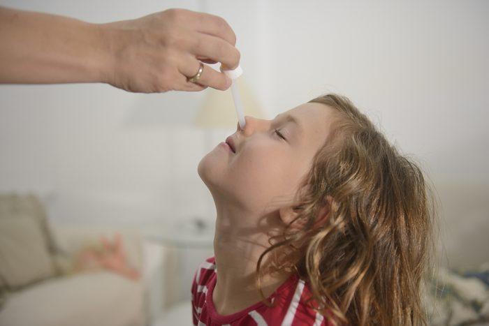 Pour soulager votre nez bouché : eau salée