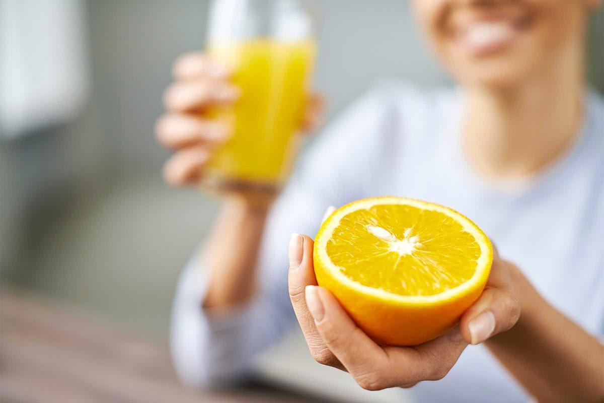 Pour faire baisser son taux de cholestérol, buvez du jus d'orange le matin.
