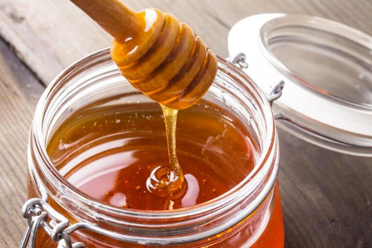 Pour faire baisser son taux de cholestérol, remplacez le sucre par le miel.