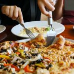 10 habitudes du soir qui vous font prendre du poids