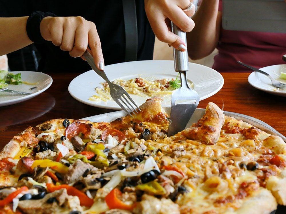 Le perte de poids est moins facile si le souper est votre repas le plus copieux de la journée.