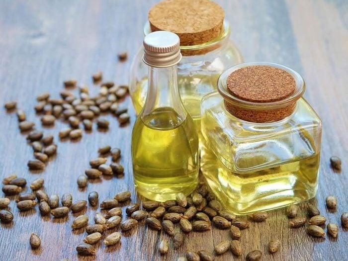 L'huile de ricin fait partie des remèdes naturels contre la constipation.