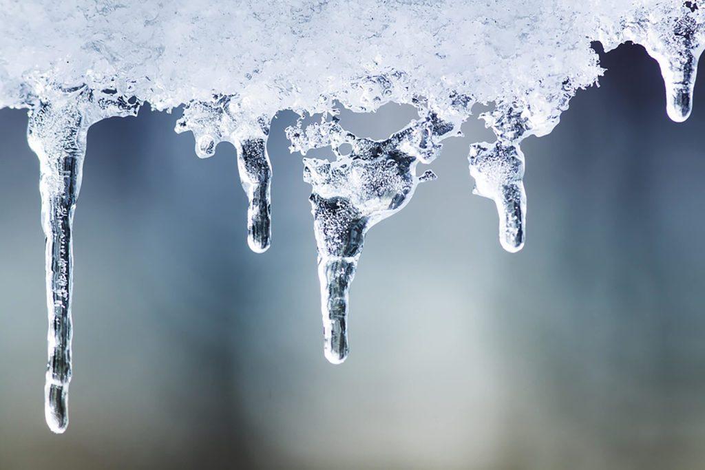 L'eau chaude gèle plus vite que l'eau froide