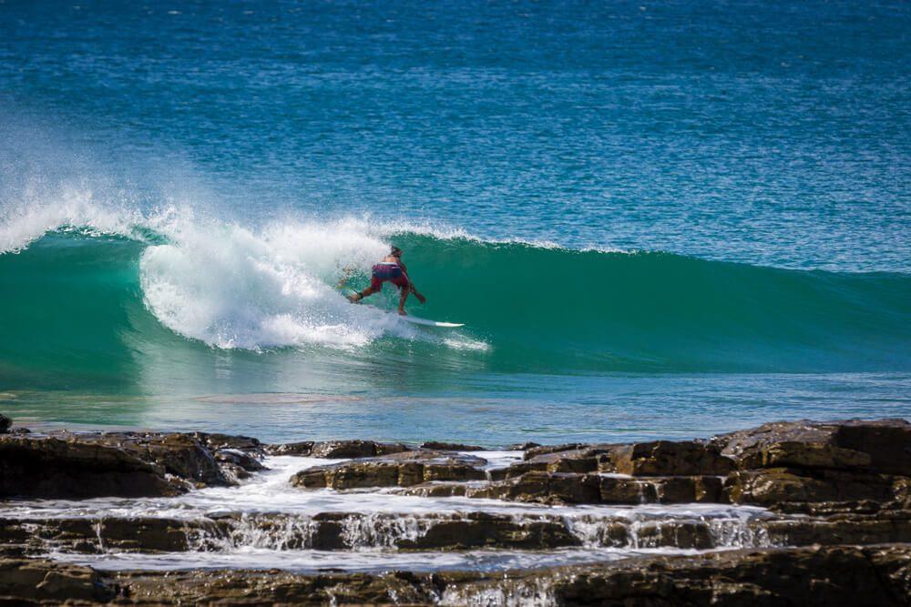 Apprenez à surfer au Nicaragua