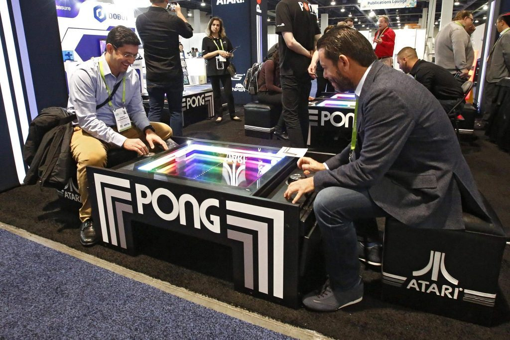 1974 – Pong