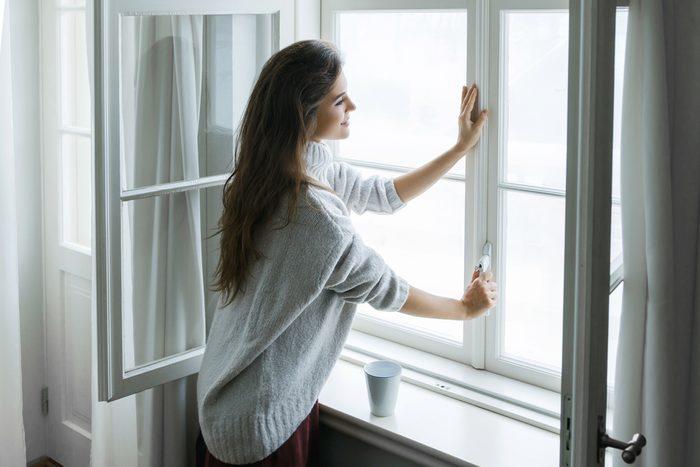 N'ouvrez pas les fenêtres