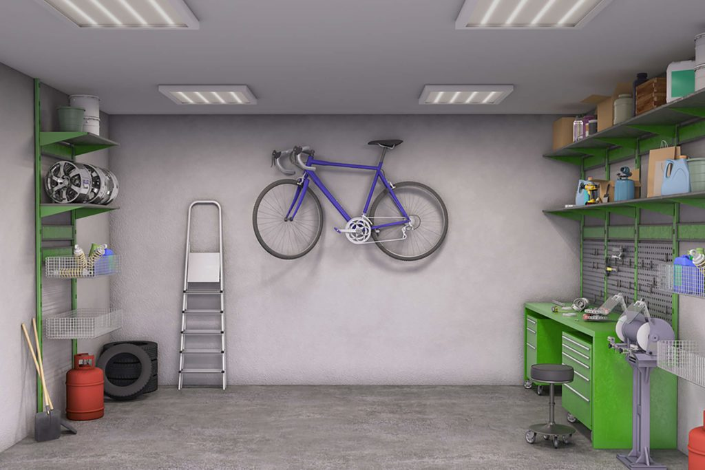 Garage revisité pour entreposer des gros objets.