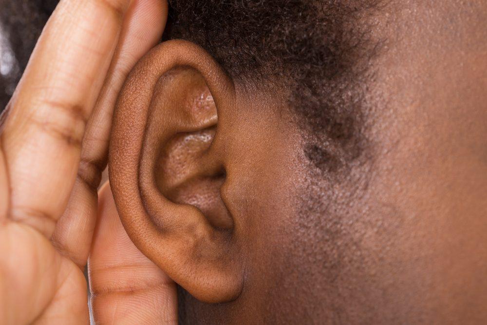 Vous n'entendez pas bien d'une oreille