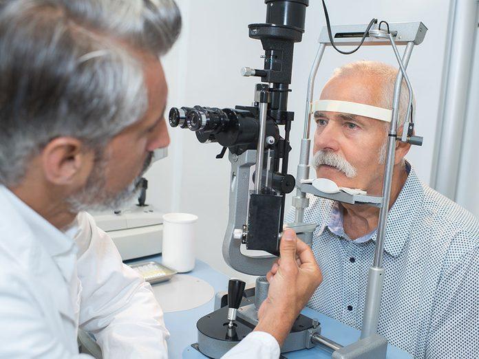Le décollement rétinien fait partie des maladies des yeux que vous devriez connaître.