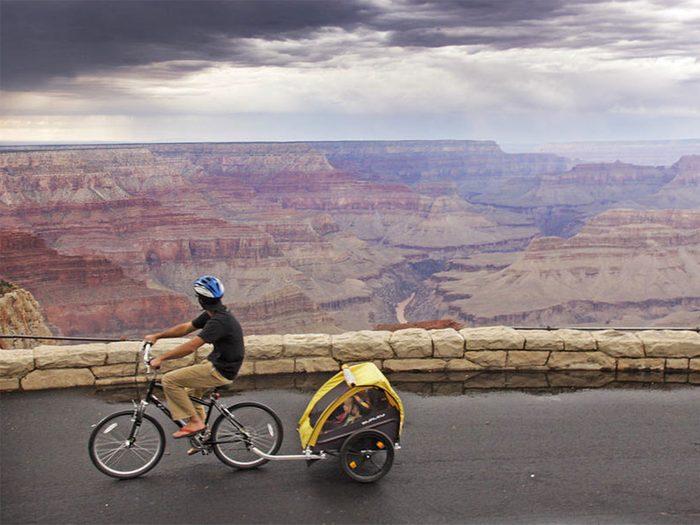 Faites du vélo de montagne dans le Grand Canyon si vous aimez les voyages dangereux.