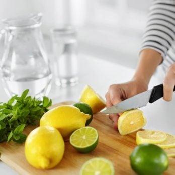 Les vertus de l'eau citronnée au quotidien