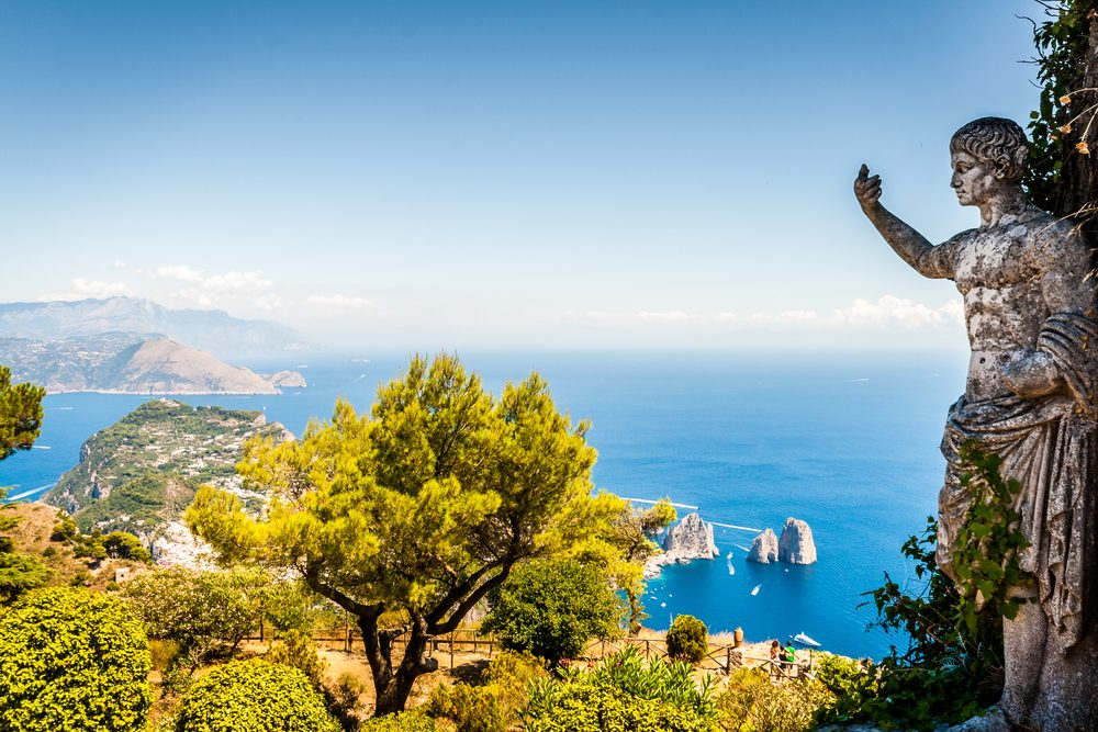 …de porter des tongs ailleurs que sur la plage à Capri