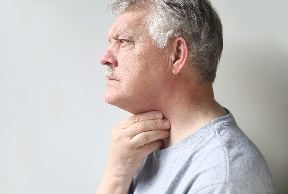 De la difficulté à avaler pourrait cacher un cancer de la gorge