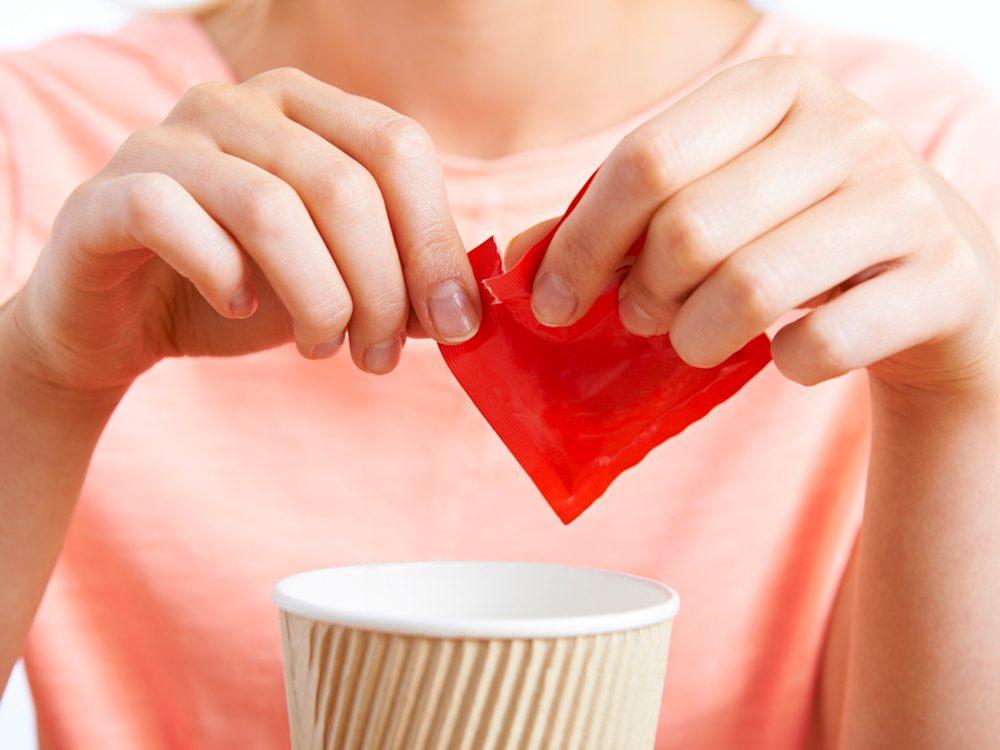 Les édulcorants artificiels sont des aliments à éviter.