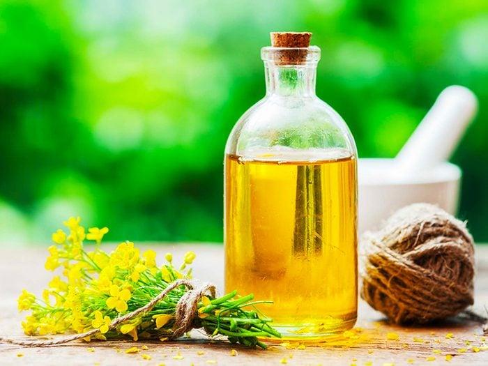 L'huile de canola est l'un des aliments à éviter.