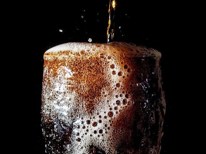 Les sodas sont des aliments à éviter.
