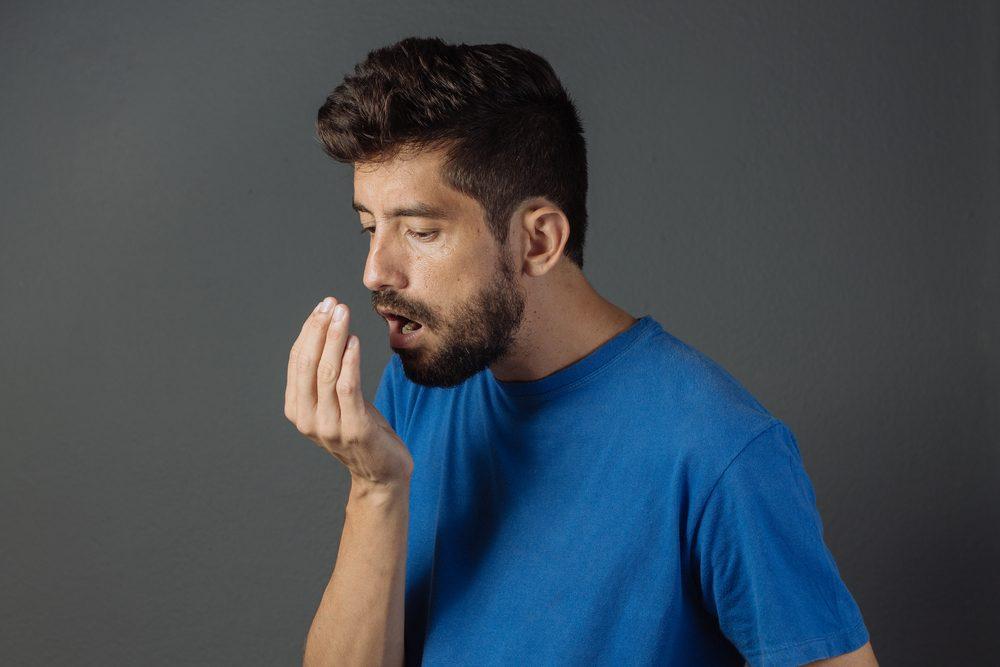 Ditesadieu à la mauvaise haleine