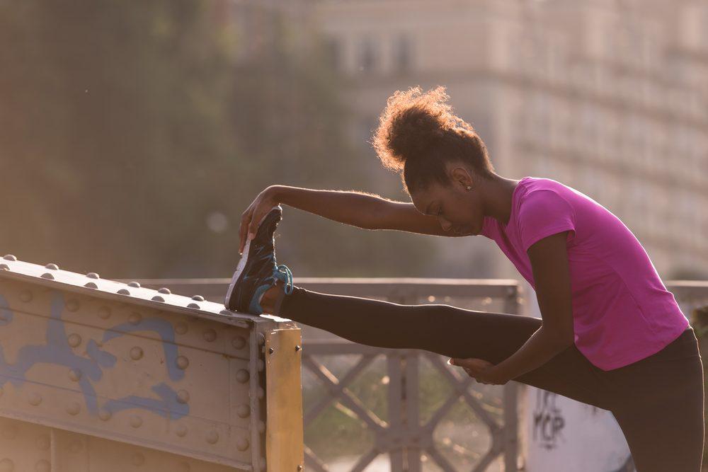 Courir permet de faire des étirements.