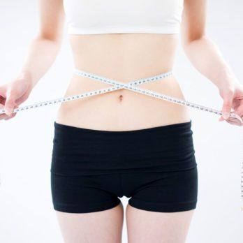 Un ventre plat sans aucun effort, ni exercice: 25 conseils et astuces
