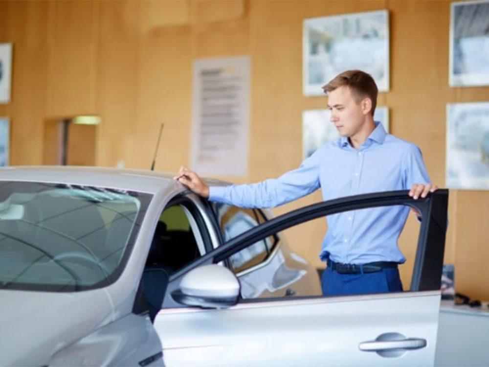 Sachez combien vous avez les moyens de payer avant d'acheter une voiture.