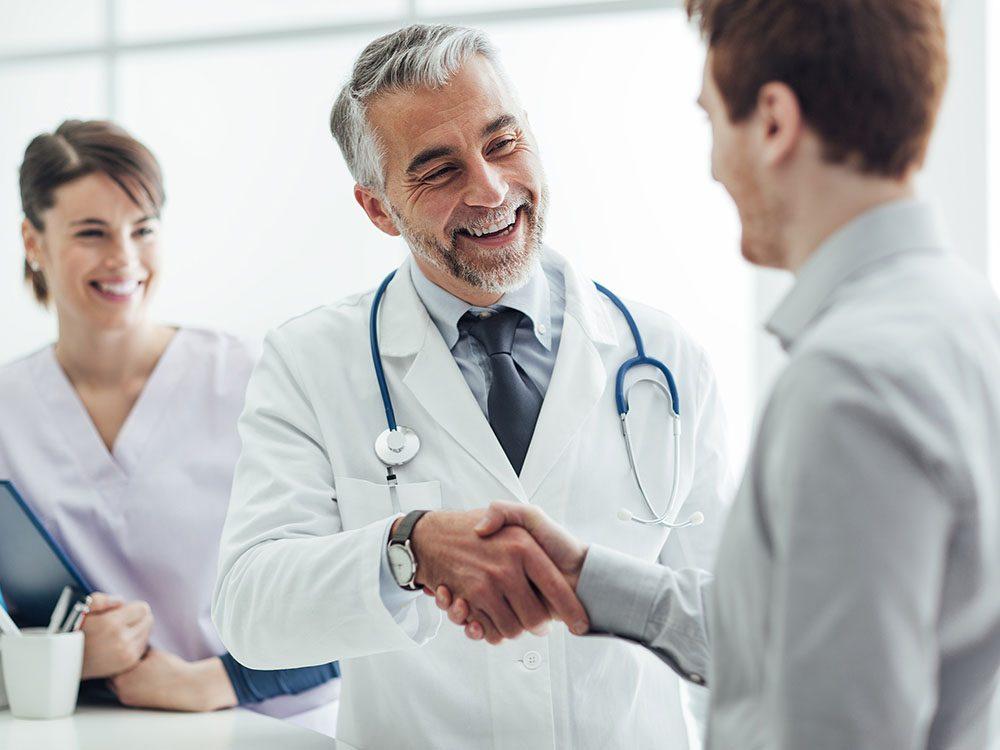 Pour arrêter de fumer, demandez l'aide d'un médecin.
