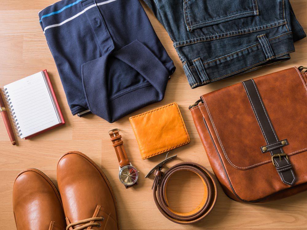Comment faire sa valise: créez une garde-robe miniature.