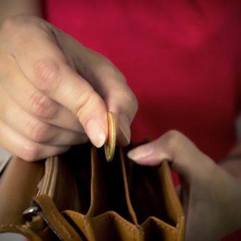10 façons d'économiser 20 000$ en une année