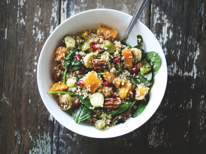 Revivre l'été de votre enfance en mangeant une salade estivale.