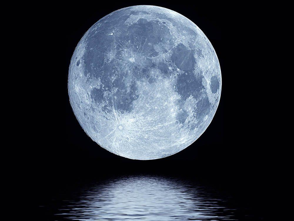 Les mystères de la lune: origine de son eau.