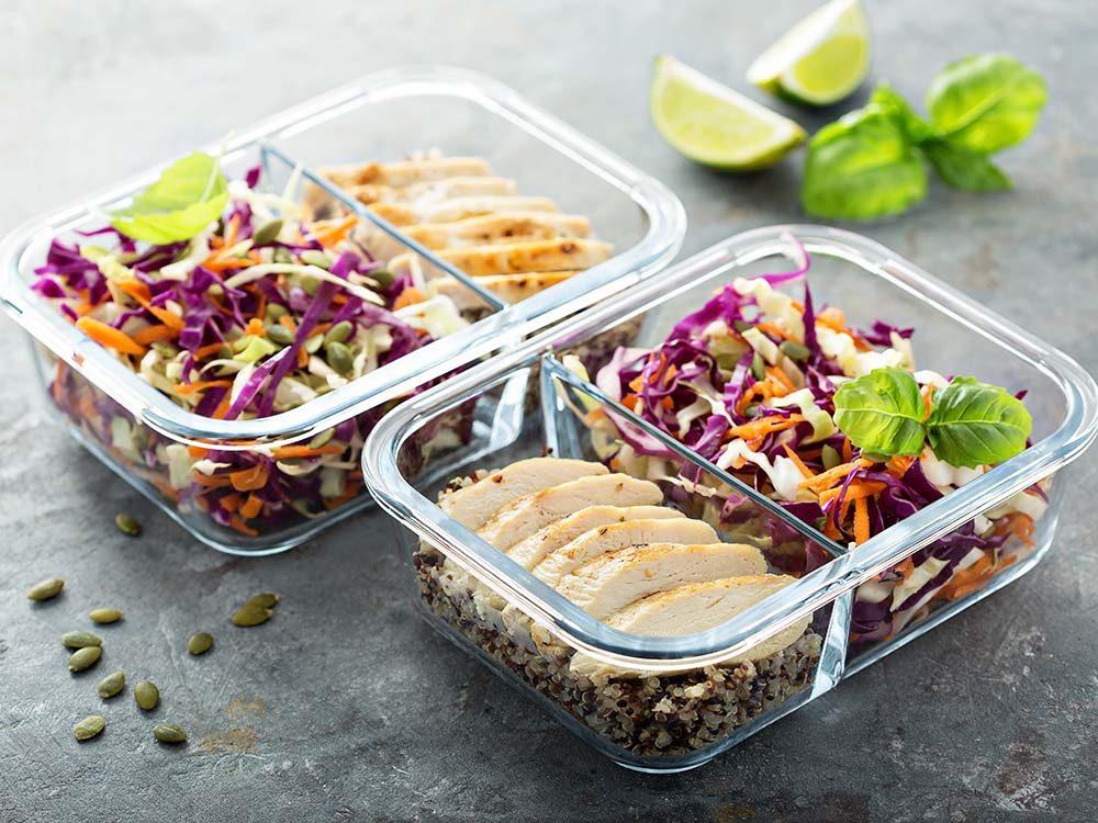 Pour aider un proche atteint d'une maladie grave, offrez-lui des plats que vous aurez d'abord divisé en portions.