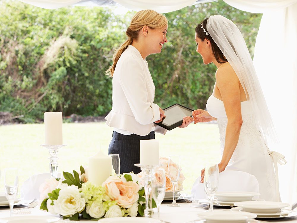 Pour un mariage réussi, embauchez un organisateur de mariage.