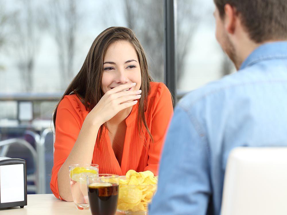 Les causes de la mauvaise haleine sont multiples.