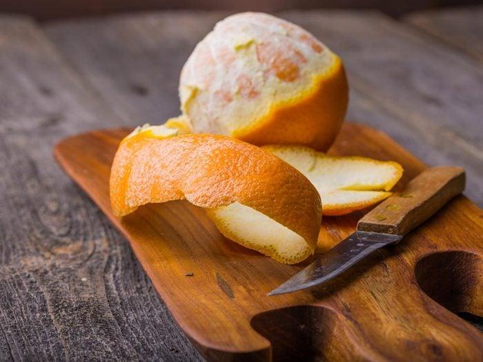 Mangez une orange pour réduire la mauvaise haleine.
