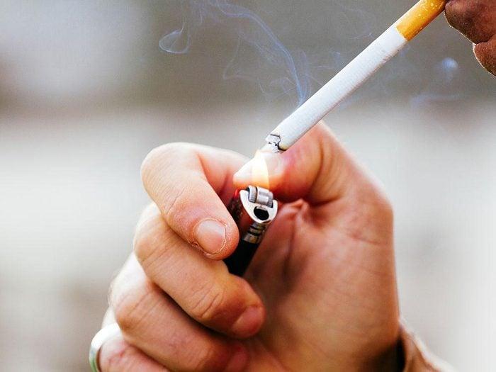 Le tabagisme donne mauvaise haleine