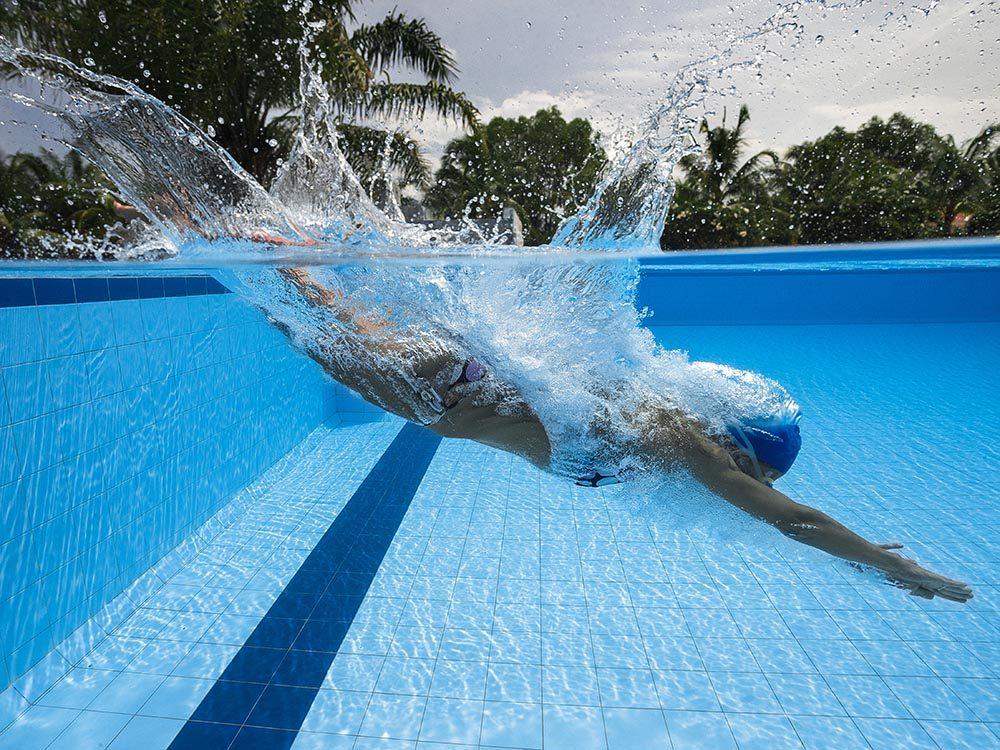 Piscine publique: évitez d'avaler de l'eau.