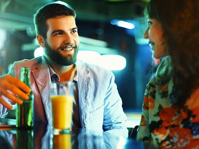 Pour séduire et augmenter vos chances de rencontres, placez-vous de manière plus stratégique.