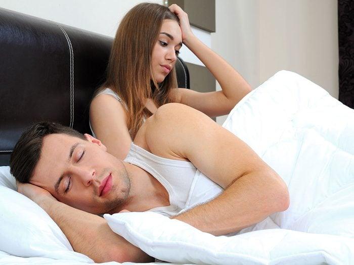 Sexe: les hommes refusent de faire l'amour car leur taux de testostérone est bas.