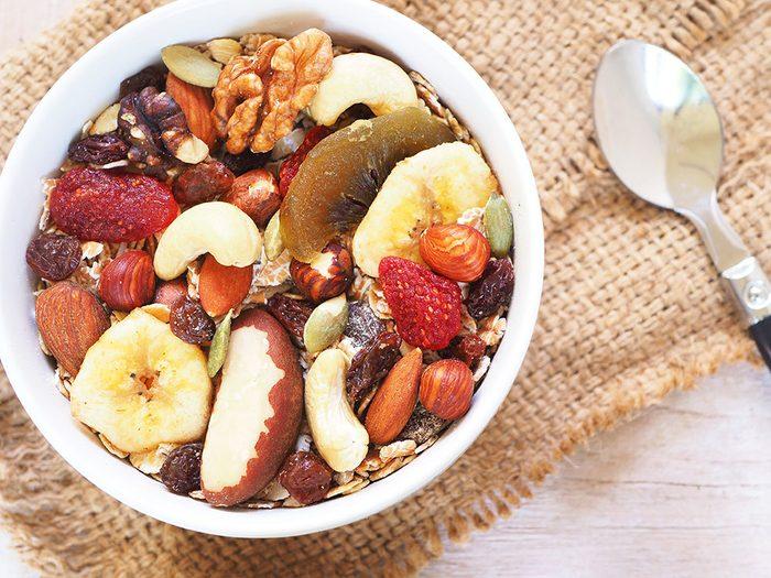 On aime les vertus des noix, mais aussi leurs goûts en association avec des fruits secs.