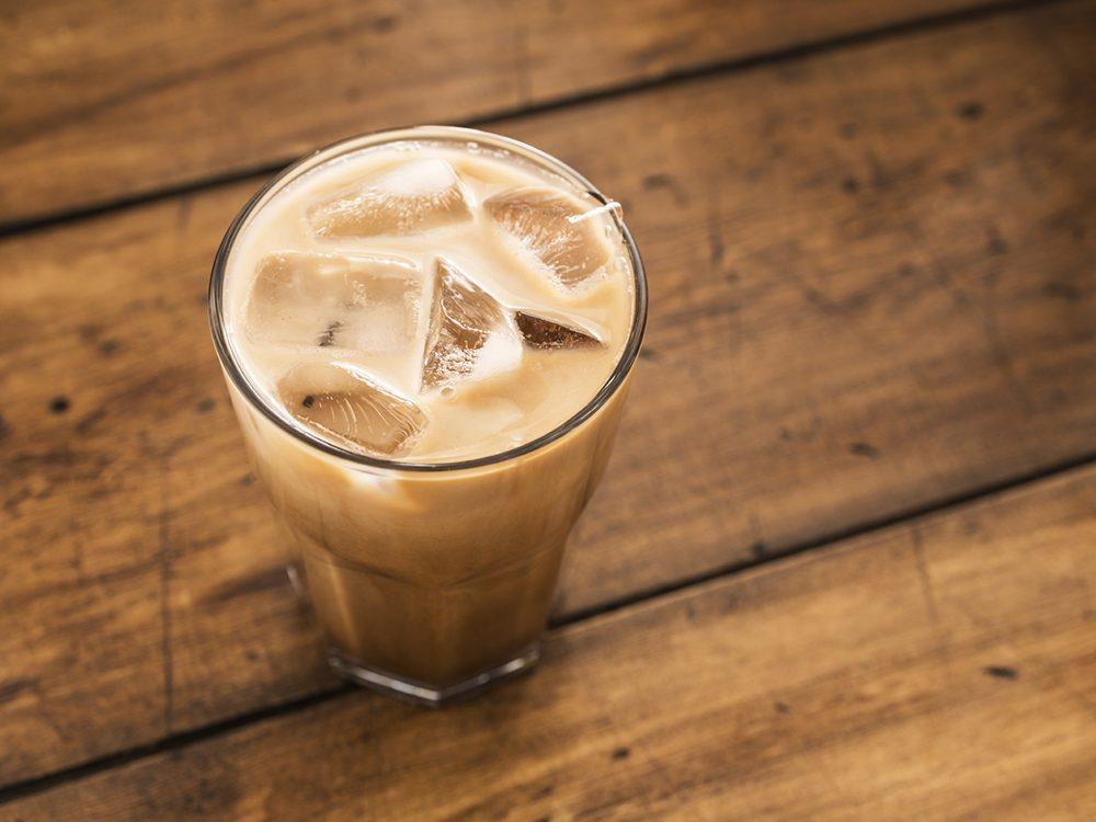 Café glacé au goût de lavande.