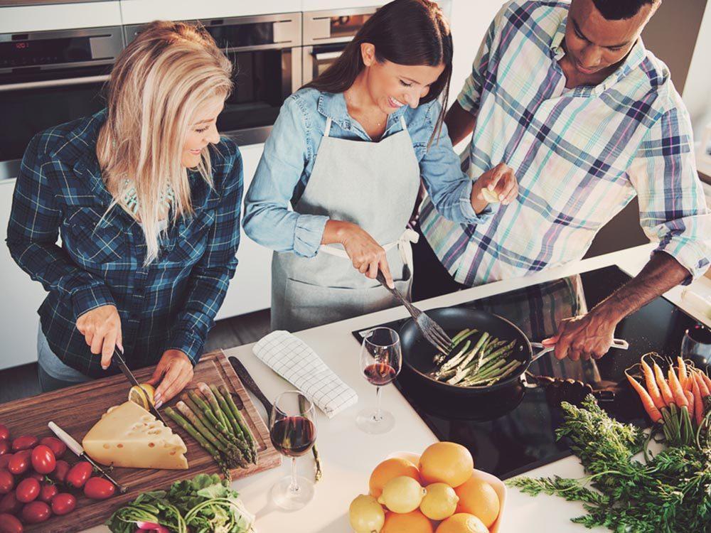 Activités estivales: fondez un club de cuisine.