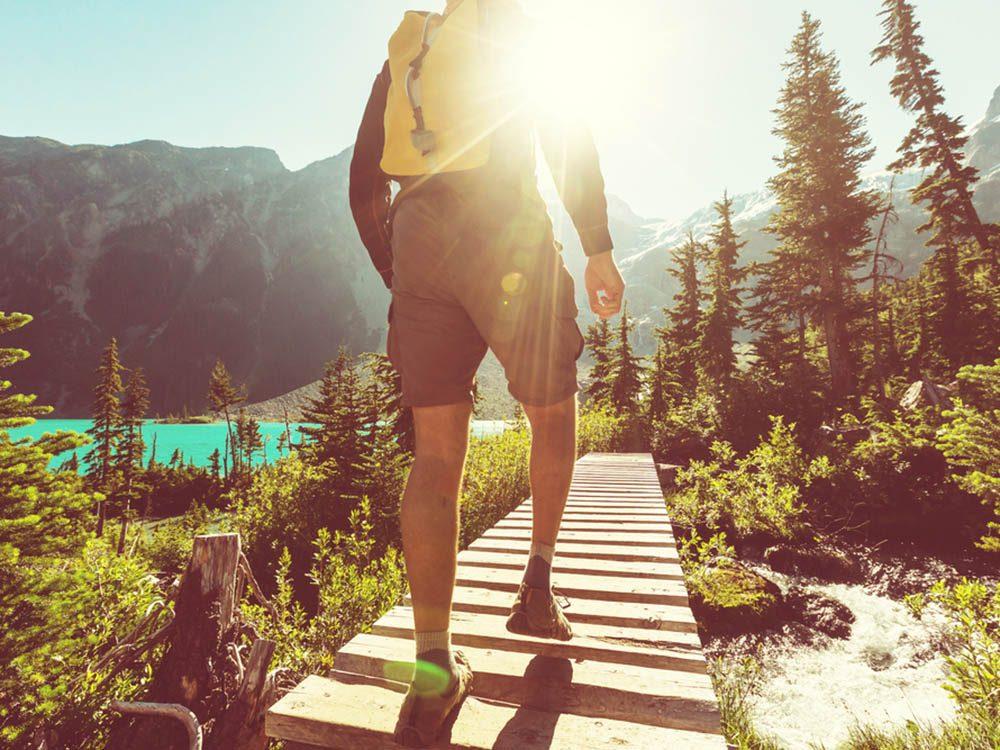 Activités estivales: partez en randonnée.