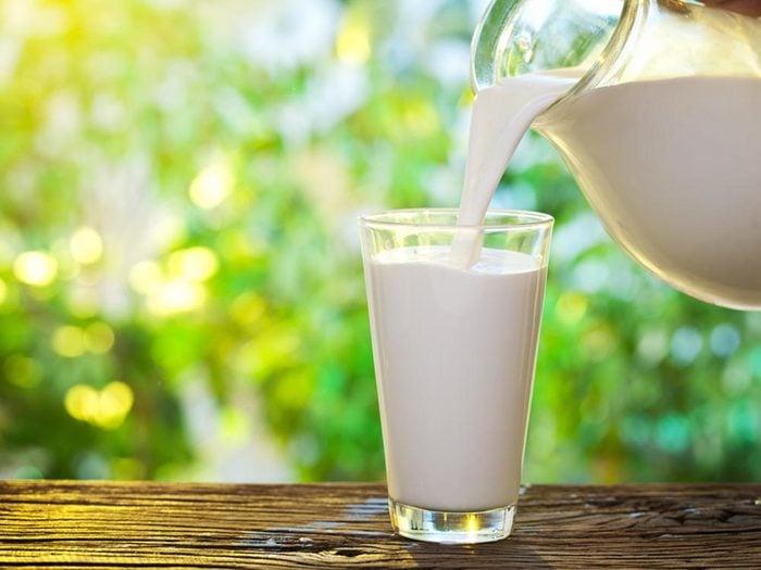 Remède contre les brûlures: le lait.