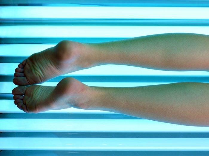 Évitez le cancer de la peau en limitant l'exposition aux UV.