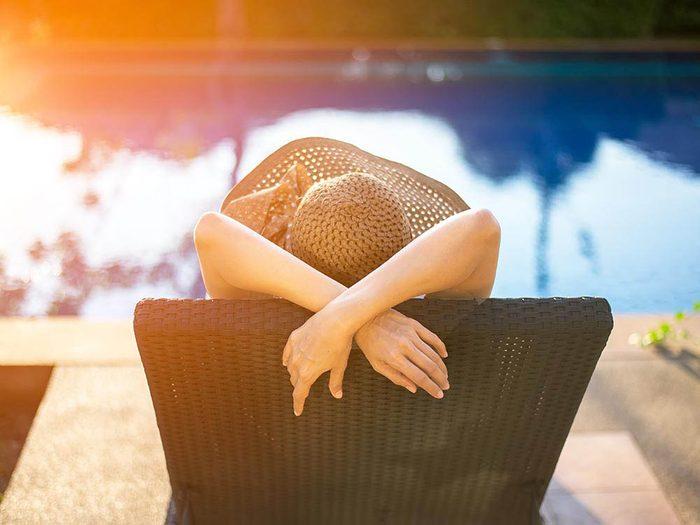Évitez le cancer de la peau en vous protégeant du soleil.