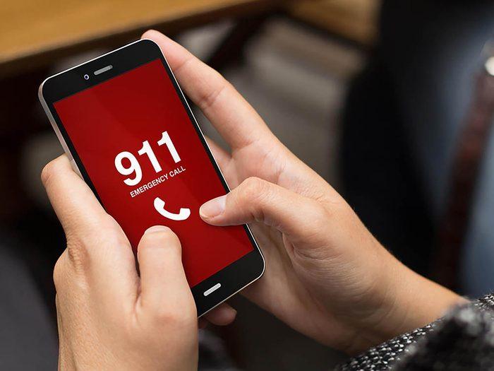 Reconvertissez votre cellulaire usagé en outil contre la violence conjugale.