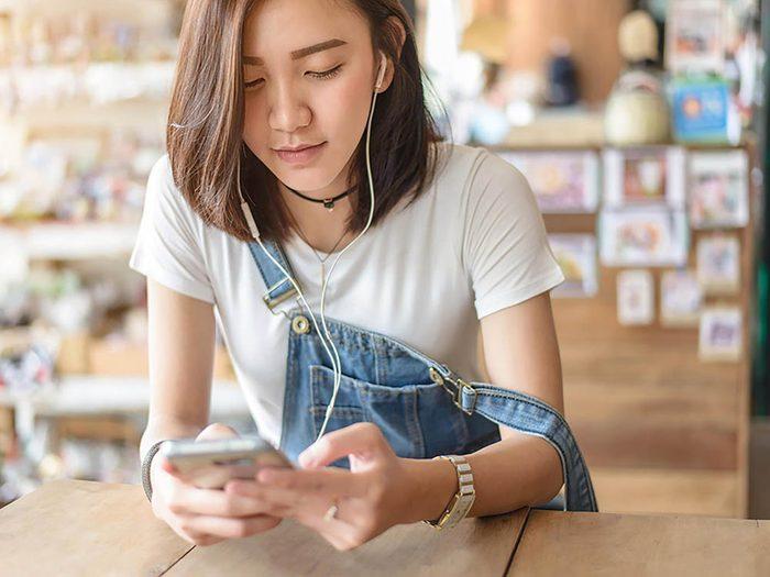 Reconvertissez votre cellulaire usagé en lecteur mp3.